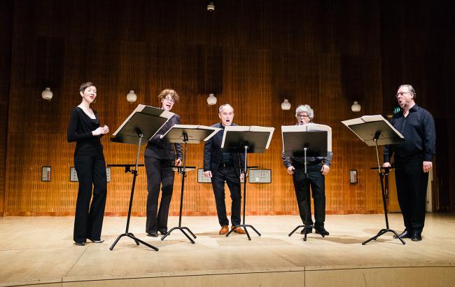 Neue Vocalsolisten fra Stuttgart gav to koncerter på Det Kongelige Danske Musikkonservatorium i november. Blandt andet en workshop-koncert med de studerendes værker. Foto: Malthe Folke Ivarsson