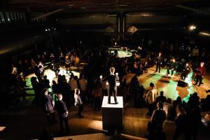 En af de helt store produktoner på sidste års festival var nyopførelsen af Henning Christiansens 'Opus 37: Dejligt vejr i dag, n'est-ce pas, Ibsen' på Copenhagen Contemporary. Foto: Malthe Folke Ivarsson